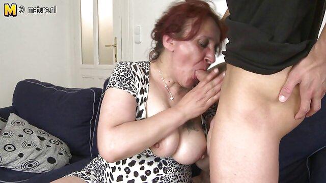 二つの熱い裸の女性と黒人男性を食べる 女 用 アダルト 動画